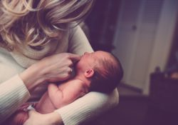 Jak ušetřit na mateřské dovolené?