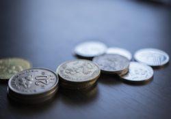 Jak neskončit v dluhové pasti, ze které se jen stěží dostáváme ven